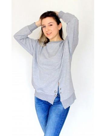 Asimetriški džemperiai su nedideliais defektais. Dydis universalus
